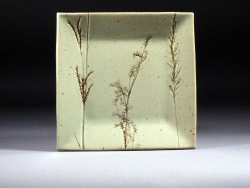 Grass plate
