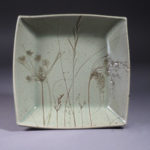Serving Dish with Wet-Area Grasses